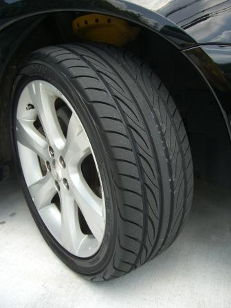 レガシィB4タイヤ交換 またS-Drive
