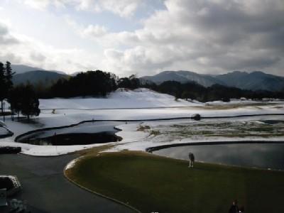 雪<関空GC>①11.02.13_09:22