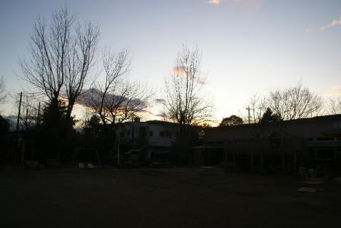 DSC01465園庭冬2