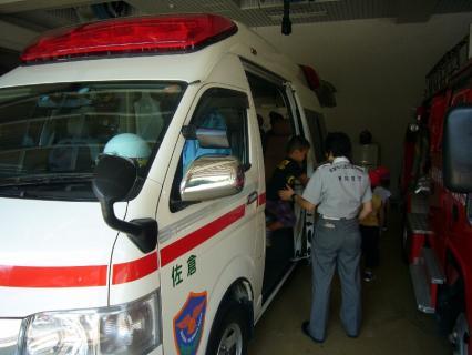 P1020232救急車2