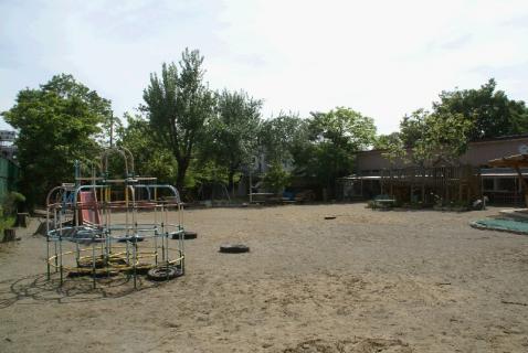 DSC01527園庭1
