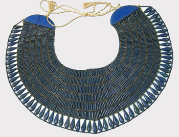 Reconstruct faience broad collar (Photo Metropolitan Museum of Art