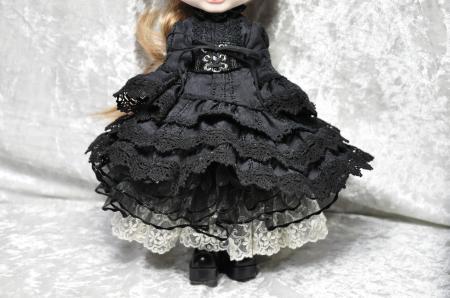 黒いドレス(A)