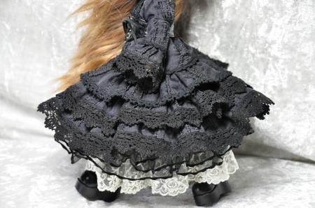 黒いドレス(B)