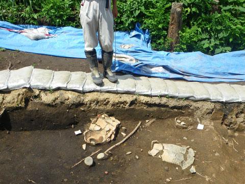 遺跡の発掘現場