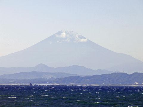 江ノ島から富士山を