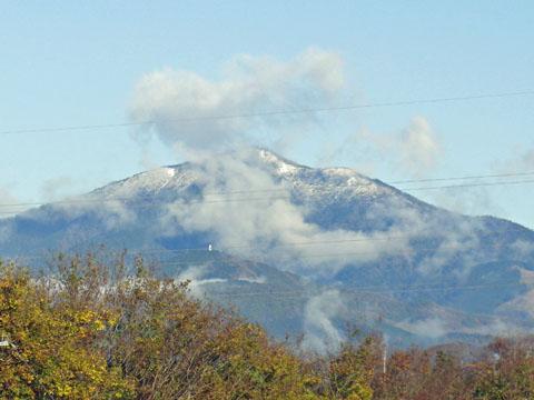 大山、初雪