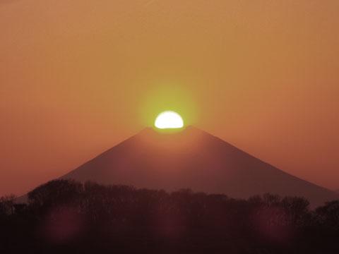 富士のど真ん中に沈む