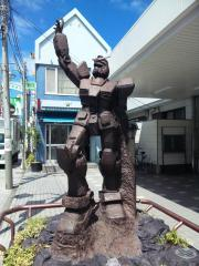 ガンダム銅像