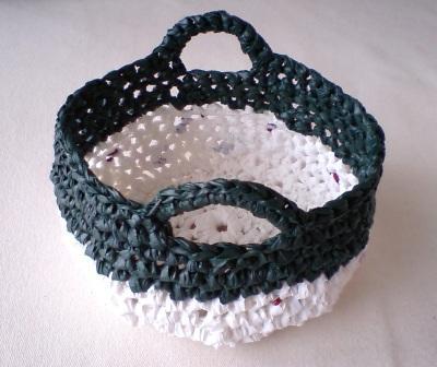プラバッグ裂き編みの小さいカゴ