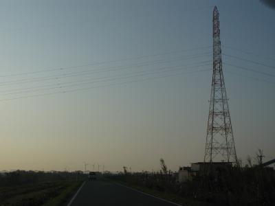 鉄塔と風車