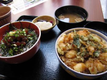 ミニかき揚げ丼とマグロ丼