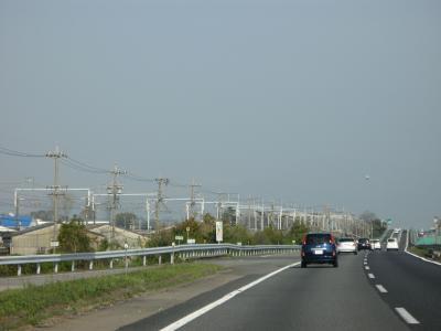 新幹線の線路と並走