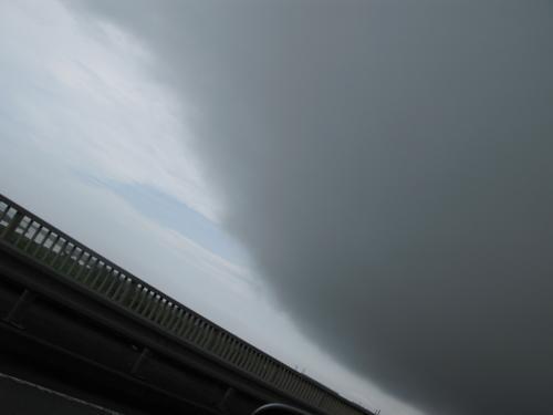 暗雲が・・・
