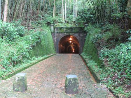 明治のトンネルでつ!!