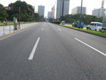 皇居前の道路