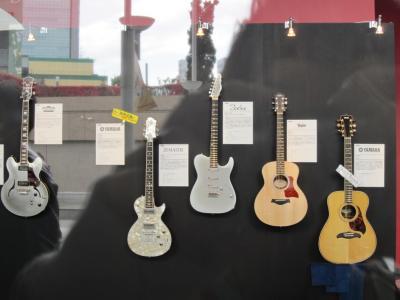 高中さんのギターが・・・
