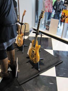 チャリティーギター