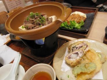 名物!肉豆腐鍋定食