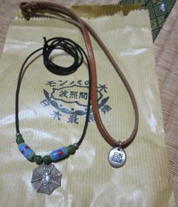 シルバーのネックレス