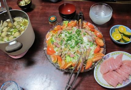 ローストビーフサラダ、びんちょうマグロ、つみれと舞茸の汁