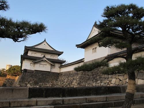 大阪城 大手門より