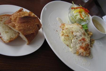 チキンの香草チーズ焼きランチ