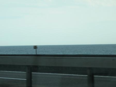 湘南の鉛色の海