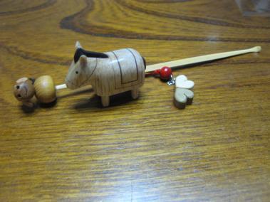お馬と牛と牧草?