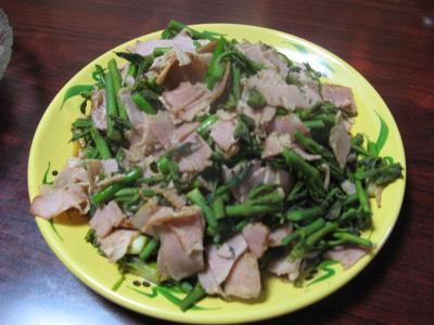 タラの芽とベーコン炒め