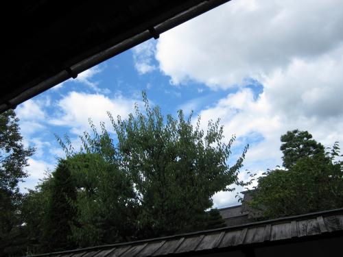 土蔵と青い空