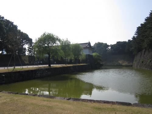 外桜田門と二重橋濠