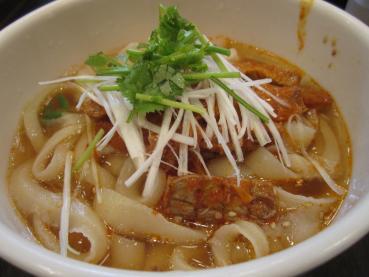酸辣刀削麺(サンラートウチョウメン)