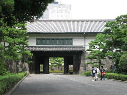 平川門内側より