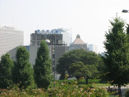 民主党と国会議事堂