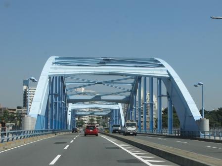 多摩川を渡ります