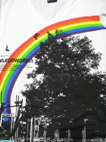 今年の虹の服 長袖