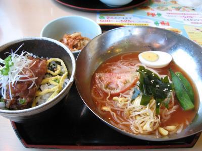 冷麺とピリ辛マグロ丼