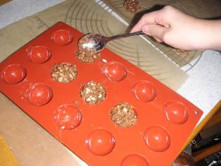 チョコ製作中