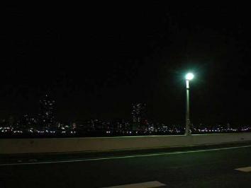 高速からの夜景
