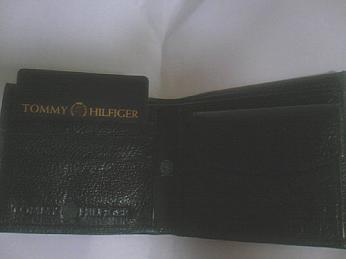 トミーヒルフィガーの財布