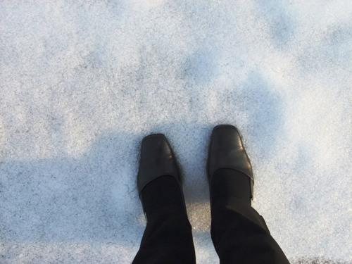 雪を踏みしめる
