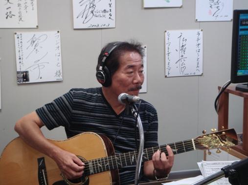 1-1ラジオで生演奏