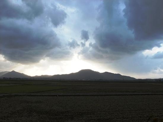 2-2山と雲のコントラスト-4