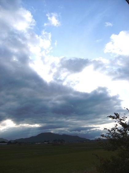 3-3角田山と雲