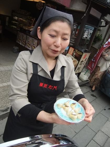 20110224-27お菓子の味見