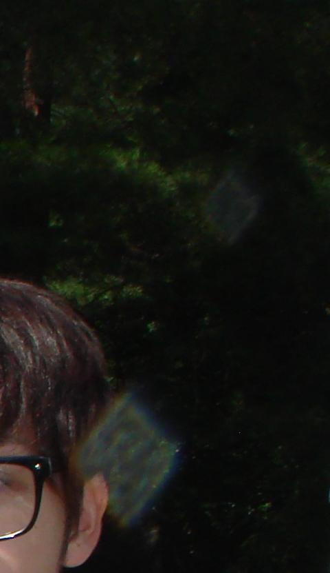 20110813-07お墓で不思議な四角形