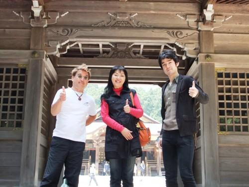 8-3弥彦神社で忠英さんオクノくんカズミン