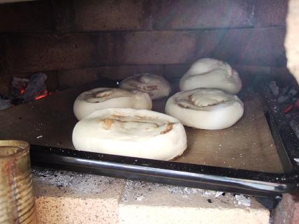 石窯 パン焼き1
