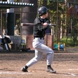 3回裏、田中が安打で出塁